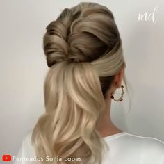 Easy chic braided ponytail By Penteados Sonia Lopes Braided Ponytail, Ponytail Hairstyles, Wedding Hairstyles, Wedding Ponytail, Female Hairstyles, Hairstyle Men, Style Hairstyle, School Hairstyles, Hairstyles 2018