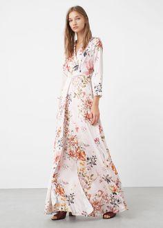 Langes Kleid mit Blumenmuster mango