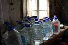 Autiotalo, Iitti - vesipullot keittiössä
