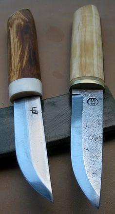 Lauri. Empuñadura: madera. País: Finlandia (izq). Brostrom. Empuñadura: madera. País: Inglaterra.
