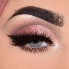 wears our Warm Neutrals Eye Shadow Palette + Stellar Loose Glitter on the eyes. Pretty Eye Makeup, Eye Makeup Tips, Makeup Goals, Love Makeup, Makeup Inspo, Makeup Inspiration, Makeup Tricks, Makeup Ideas, Contour Makeup