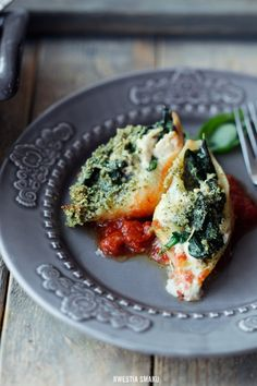 Pasta shells stuffed with spinach, chicken and gorgonzola - Jedzenie - Makaron Stuffed Pasta Shells, Spinach Stuffed Chicken, Relleno, Queso, Avocado Toast, Quiche, Pizza, Favorite Recipes, Healthy Recipes