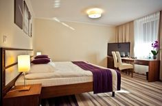 Hotel w Nowym Dworze Mazowieckim zapewnia swoim Gościom, utrzymanych w najwyższym standardzie, 68 pokoi.