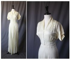 Gorgeous Ivory 1940s Vintage Wedding Dress -- 40's WWII Pinup Rockabilly VLV Swing Gown Bride Bridal 30s 1930s -- on Etsy, $650.00