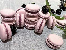 Černicové makrónky - recept   Varecha.sk Pavlova, Macaroons, Blackberry, Sugar, Beauty, Food, Macaroni, Macarons, Essen
