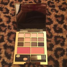 Estee  Lauder 12 eye shadows 2 pure color blush Estée Lauder compact just used once Estee Lauder Makeup Eyeshadow