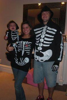 Halloween costume Pregnancy announcement.