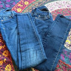 Bundle of two skinny jeans Two pairs of size 3 Mudd super skinny jeans. They are the same style but two shades of color. Soft material and very minor snags on a couple places, barely visible. Great deal! Mudd Jeans Skinny