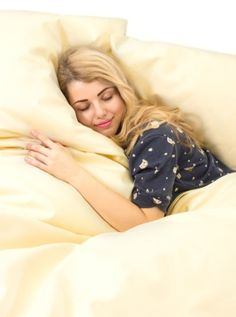 Alergici mohou spát v peří. Povlečení a prostěradla z Nanobavlny jsou revolucí pro alergiky. Do této chvíle museli alergici kupovat bariérové povlaky