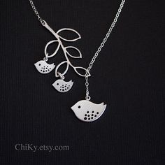 Family bird necklace bird and branch necklace lariat by chiky, $31.00 Branch Necklace, Family Necklace, Bird Necklace, Mother Necklace, 2 Baby, Baby Tattoos, Cute Family, Christmas Gifts For Her, Jewelry Organization