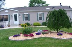 Astonishing Mobile Home Landscaping Ideas with nice pictures.cheap and nice single wide mobile home landscaping decor design. Mobile Home Landscaping, Landscaping Around House, Front Yard Landscaping, Landscaping Ideas, Backyard Ideas, Landscaping Software, Garden Ideas For Mobile Homes, Landscaping Contractors, Landscaping Edging
