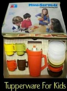 Tupperware for Kids Memories of my childhood 90s Childhood, My Childhood Memories, Great Memories, Back In The 90s, Vintage Tupperware, 80s Kids, Retro Toys, Vintage Toys 80s, Vintage Art