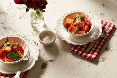 Mamma Contaldo's ricotta dumplings (ndundari con salsa di pomodoro e basilico)