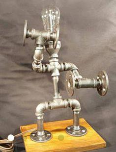 how to make a study lamp with pvc pipe Pot Mason, Mason Jar Lamp, Pipe Lighting, Cool Lighting, Metal Pipe, Metal Art, Lampe Tube, Tube Acier, Regal Design