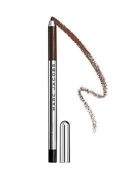 Eyeliner können das Produkt für vielbeschäftigte Frauen sein, für die es morgens primär darum geht, fertig zu werden. Mit nur einem gekonnten Strich kann man aussehen, als hätte man ein komplettes Make-up aufgetragen. Gleichzeitig sind Eyeliner aber auch hochgradig kompliziert. Wer hat sich