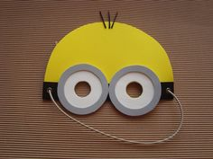 mascaras de minions en goma eva 3rd Birthday Boys, Prince Birthday Party, Summer Camp Crafts, Camping Crafts, Small Sewing Projects, Craft Projects For Kids, Minion Mask, Minion Birthday Invitations, Minion Costumes