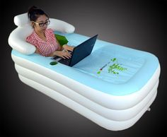 De combinatie van een opblaasbaar bad en een elektrisch pomp maakt de Inflatable Bath Tub een must voor iedereen die in zijn badkamer niet over een bad geschikt.