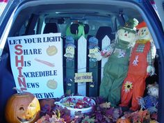 Here are 10 fun ways to decorate your trunk for your church's upcoming Trunk-or-Treat outreach! Here are 10 fun ways to decorate your trunk for your church's upcoming Trunk-or-Treat outreach! Halloween Car Decorations, Halloween Treats, Fall Halloween, Halloween Costumes, Fall Decorations, Halloween Party, Trunk Or Treat, Fall Festival Games, Fall Festivals