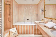 Badezimmer Suite Kaiser Franz Josef Kaiser Franz Josef, Alcove, Bathtub, Rooms, Bathroom, Double Room, Full Bath, Bathing, Homes