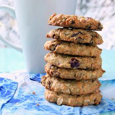 Cranberry Chocolate chip oatmeal cookies (sounds like the cowgirl cookies I used to get)  hobbyandmore.blogspot.com