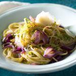 Un primo piatto insolito, a base di spaghetti e cipolle di Tropea caramellate; una pietanza appetitosa dal gusto deciso e aromatico. Leggila