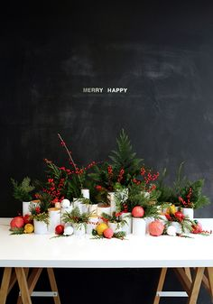 Christmas table - Holiday Feature on Design Love Fest Noel Christmas, All Things Christmas, Winter Christmas, Christmas Buffet, Xmas, Nordic Christmas, Simple Christmas, Christmas Wedding, Holiday Centerpieces