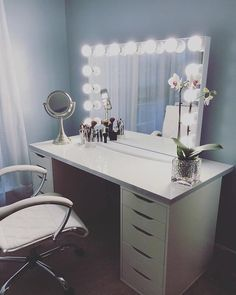 This #ImpressionsVanityGlowXLPro from @asyamarti is the perfect combination of simplicity and elegance. #goals #vanityinspo Featured: #ImpressionsVanityGlowXL IKEA table top IKEA Alex Drawers