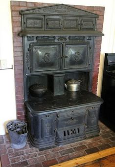 Nice built in stove I would like to see the house that goes with it!