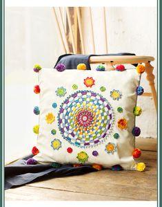 Crochet Mandala Pattern, Crochet Cross, Crochet Home, Diy Crochet, Crochet Patterns, Crochet Cushion Cover, Crochet Cushions, Crochet Pillow, Cushion Embroidery