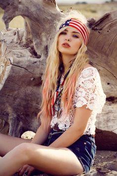 NICE PIC!!!! LOVE headscarves