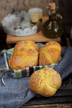 Romanian Food, Bread Recipes, Deserts, Goodies, Cooking, Pumpkin Rolls, Breads, Homemade Food, Sweet Sweet