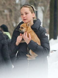 Jennifer Lawrence Stays in Shape by Spinning – and Her Dog Comes Too! http://www.people.com/article/jennifer-lawrence-flywheel-spinning-class