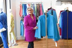 米女性幹部、ナイナ・マクレモアを着る - WSJ