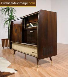 Sold: Mid Century Modern Blaupunkt Arkansas Deluxe Stereo Find Furniture, Vintage Furniture, Furniture Decor, Vintage Stereo Console, Stereo Cabinet, Retro Interior Design, Radios, Antique Radio, Woodworking Furniture