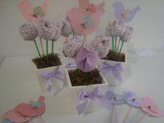 Vasinhos  de tulipas com passarinhos em scrapbook. estes foram para decorar  o chá de bebê da cliente ficaria lindo para festa de passarinhos, lembrancinhas, centro de mesa.. feito nas cores desejadas! R$ 14,50