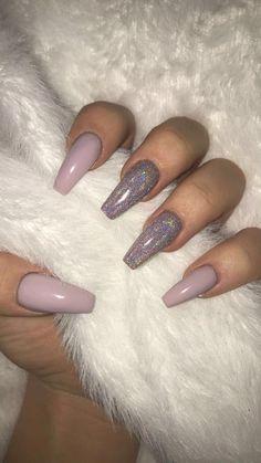 Semi-permanent varnish, false nails, patches: which manicure to choose? - My Nails Aycrlic Nails, Cute Nails, Pretty Nails, Coffin Nails, Dark Nails, Toenails, Light Purple Nails, Purple Acrylic Nails, Best Acrylic Nails