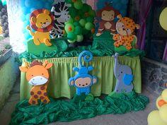 figuras en anime para la mesa de la torta Jungle Theme Parties, Jungle Theme Birthday, Safari Theme Party, Wild One Birthday Party, Monster Birthday Parties, Jungle Party, Baby Birthday, Party Themes, Baby Shower Parties