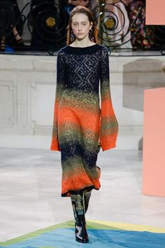 Take a look to Peter Pilotto Collections Fall Winter 2017-18collection: the fashion accessories and outfits seen on Londra runaways.