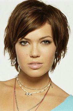 Flach liegende und dünne Haare Mit diesen Schnitten nicht mehr! Diese Kurzhaarschnitte und das richtige Styling verleihen Deinen Haaren viel Volumen! | Einfache Frisuren