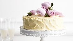 The best White chocolate mud cake recipe you will ever find. Welcome to RecipesPlus, your premier destination for delicious and dreamy food inspiration. White Chocolate Mud Cake, White Chocolate Recipes, Chocolate Roses, Chocolate Coffee, Cupcakes, Cupcake Cakes, Cold Cake, Sandwiches, Take The Cake