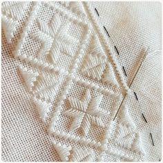 Skjortesøm til Nordhordalandsbunad 😊 #hvittpphvitt #hvitsøm #skjortesøm #nordhordalandsbunad #nordhordalandsbunadsskjorte #hjerteforhåndlaget #håndarbeid #jegstrikker #hjernetrim Hand Embroidery Videos, Embroidery Techniques, Embroidery Patterns Free, Cross Stitch Patterns, Embroidery Designs, Hardanger Embroidery, Cross Stitch Embroidery, Crochet Feather, Bargello
