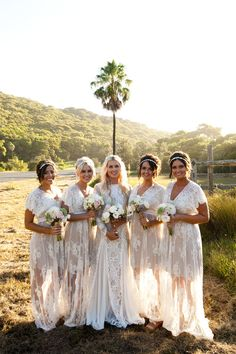 Completely in love with the dresses- bridesmaids in white??? Might work