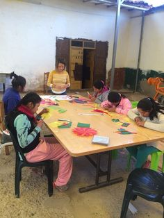 2 volunteers in a shelter for abused girls in #Cusco, #Peru, made cookies and beautiful crafts with them.