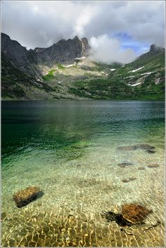 Озеро Золотарное. Озеро Золотарное. Хребет Ергаки. Саяны. Восточная Сибирь…