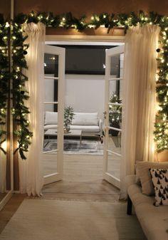 #christmastreevine #christmasdecor #havuköynnös #joulutulee #joulukoristeet Living Room Decor, Loft, Christmas Tree, Bed, Furniture, Instagram, Home Decor, Drawing Room Decoration, Teal Christmas Tree