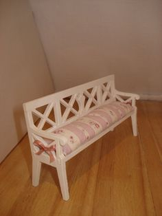 1:12 scale shabby chic bench