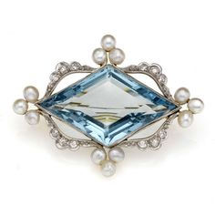 Edwardian aquamarine, diamond and pearl brooch, with central kite-shaped aquamarine, ca. 1910