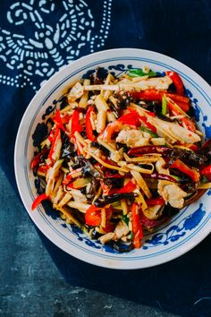 Don't mistake this Chicken with Garlic Sauce dish with what's on your Chinese takeout menu. This chicken and garlic sauce is 99 times better - Trust me! Eggplant With Garlic Sauce, Garlic Sauce For Chicken, Beef Noodle Soup, Beef And Noodles, Rice Noodles, Soup Recipes, Chicken Recipes, Cooking Recipes, Chicken Menu