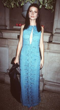 Pin for Later: 75 Unforgettable Met Gala Moments Gwyneth Paltrow — 1999 Susan Sontag, Solange Knowles, Donatella Versace, Christy Turlington, Irina Shayk, Gwyneth Paltrow, Naomi Campbell, Blake Lively, Vestido Multicolor