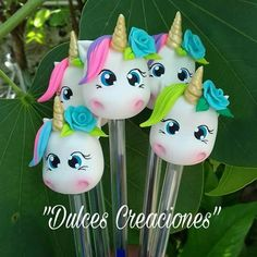 Unicorn Themed Cake, Unicorn Party, Polymer Clay Dolls, Polymer Clay Crafts, Pen Toppers, Fondant Tutorial, Fondant Figures, Pasta Flexible, Salt Dough